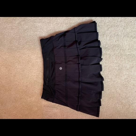 lululemon athletica Dresses & Skirts - Lululemon black running skirt